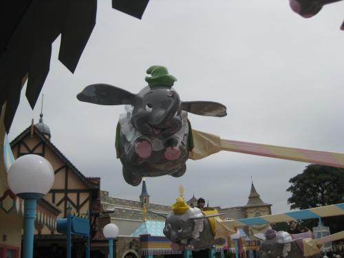 空飛ぶダンボ