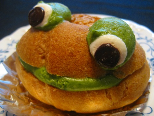 Froggy Cream Puffs