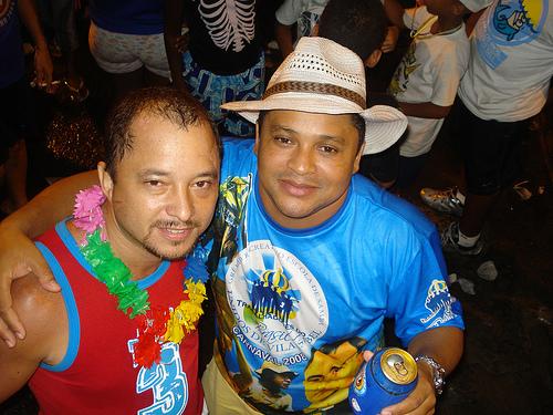 Jair da Beer e Claudinho se irmanaram no carnaval popular da Rocinha...