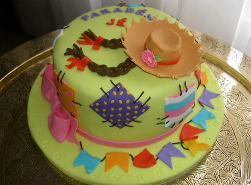 Bolo Festa Junina por A de Açúcar Bolos Artísticos.