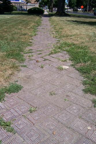 Paving brick sidewalk
