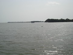 Areabian Sea and Kochi Lake (Anulal's Photos) Tags: cochi cochin kochi kochin marinedrive eranakulam cochinmarinedrive kochinmarinedrive eranakulom areabiansea queenofareabiansea cochinlake kochilake
