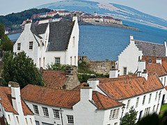 Dysart Distorted (tricycledteenager) Tags: sea distortion scotland distorted fife traditional villages unreal riverforth cottages dysart