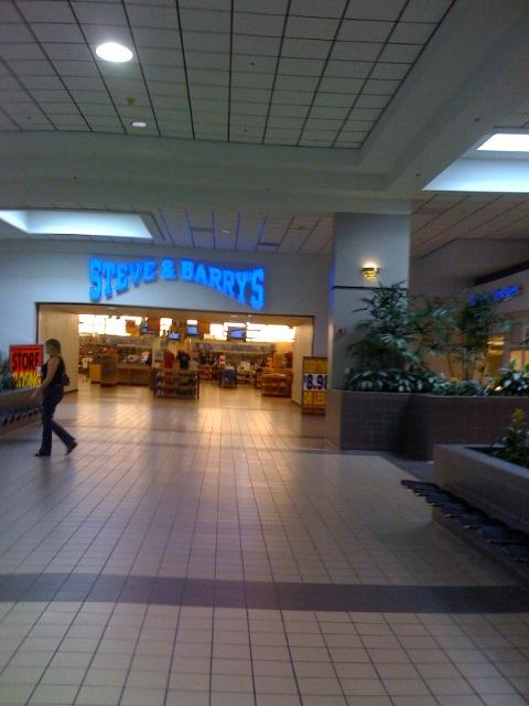 Steve & Barrys, Dying, Staunton Mall, Staunton, VA