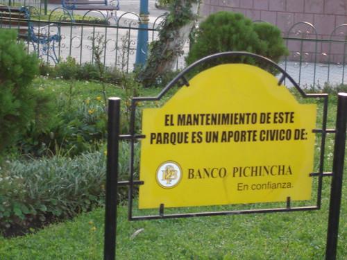 Ecuador-multi-currency-atm-sign