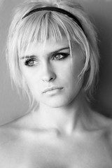 AMANDINE BW (Phil O Pics photographY) Tags: portrait bw woman france girl beauty fashion canon eyes femme pop mode modele amandine beaute stylisme 40d philopics
