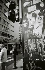 street art?  pode ser. (pedrocupertino) Tags: bw pb expired uws fujineopan1600 vencido vivitarultrawideslim