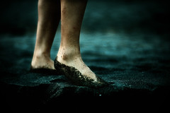 resurrecti (TommyOshima) Tags: leica wet digital foot sand f10 epson noctilux outtake kk rd1 apocrypha tanatos 2bdasest   kinakokocteau