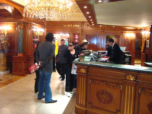 Checking in at Grand Hotel Parco dei Principi