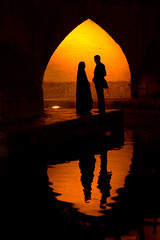 Love Stories Under the Bridge (Roozbeh Feiz) Tags: canon persian iran canon20d persia iranian 2008  esfahan  isfahan      roozbeh  feiz 1387  roozbehfeiz iranianstyle ~vista iranianphotographer   feizaghaii    feizcom wwwphotoblogcomvista