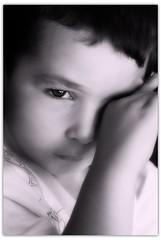 Scher ses larmes... (thierry.courosse (busy !!! totally !!!)) Tags: portrait france noiretblanc enfant larmes regard secher sonya100 sony1870