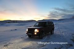 Upp Breiardalsheii LR3 V8 HSE (Bergthor) Tags: road longexposure winter sky snow ice car weather clouds landscape morninglight iceland nikon frost bluesky land handheld landrover bestshot lr3 safjrur isafjodur landroverlr3v8hse bestumyndirnar bergrgunnlaugsson bergthorgunnlaugsson
