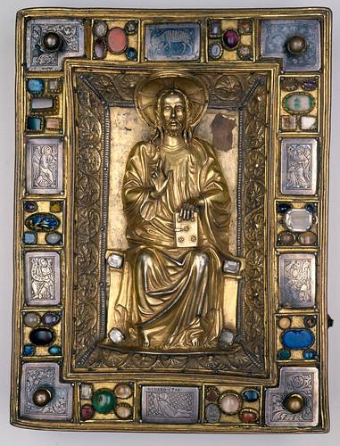 014- Evangelistar Speyer- Cubierta en plata dorada grabada con piedras semipreciosas- - Biblioteca Badische- hacia el año 1220