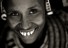 Rendille woman - Kenya (Eric Lafforgue) Tags: africa portrait people face kenya culture tribal jordan human tribes afrika tradition tribe ethnic tribo gens jordanien visage jordanie afrique jordania ethnology tribu thiopien etiopia etiopa  giordania  qunia  jordani rdn 6033 alurdun lafforgue  etiopija ethnie ethiopi jordnia  etiopien etipia   etiyopya qunia     kea yordania       iordania   jordnsko        humainpersonne a