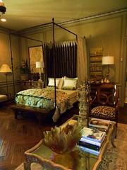 Guest Sitting Room - John Cole Interior Design, Inc.