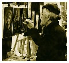 Portrait de portraitiste (Samuel ASSELIN) Tags: paris pentax montmartre limited ppg sépia peintre placedutertre da40limited portraitiste pentaxphotogallery pentaxda40mmlimited pentaxk20d samassel samuelasselin