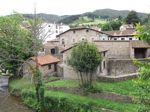 Puente de San Cayetano - Vista de las casas en la orilla