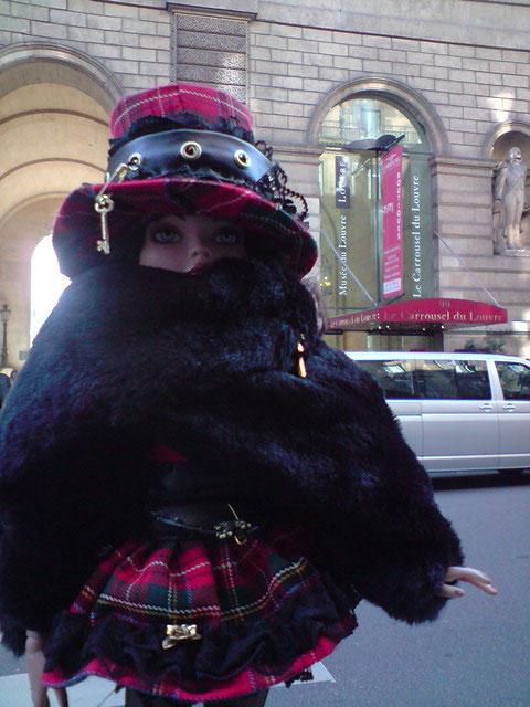 Sarah joue les touristes en solo à Paris 2303021720_e917c75226_o
