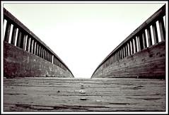 De madera y aire (abanib) Tags: wood bridge bw canon puente 350d madera esculturas bn isla pontevedra illa abigfave ltytr1 artlegacy