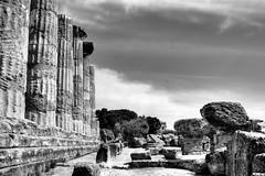Valle dei Templi (AG) - Tempio di Eracle (Ercole) - Temple of Eracles (Hercules) (Gilberto Gaudio) Tags: italy temple march italia valle valley sicily rest 2008 marzo sicilia ercole agrigento tempio sosta roster hercule