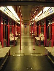 Deserto metropolitano (La minina) Tags: red milan train underground desert milano empty mm deserto inungiornodifestaconmetlineainterrotta