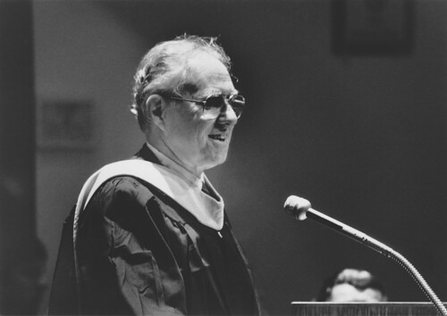 Samuel Florman speaking at the 1986 Investiture,