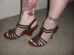 Aimee's Vegan Madden Girl Shoes (aimeedars) Tags: aimeedars vegan shoes accessories tattoos flowers legs feet selfportrait stevemadden heels flower nature colors