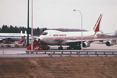 Air India 747-237B VT-EFJ (caribb) Tags: voyage travel canada plane airplane flying montral quebec montreal aircraft aviation flight jet machine finnair aeroplane aerial qubec transportation vol boeing airliner avion airindia voyages dc10 jetliner planespotting 742 passengerplane 747200 passengerjet lentokone ilmailu dc1030 ymx 747200b mirabelairport cymx suihkukone cymq 747237b vtefj samudragupta  pakeneva