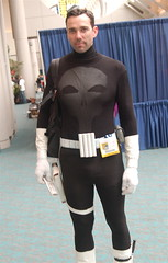 Comic Con 2008: Punisher (earthdog) Tags: 15fav skull costume sandiego cosplay hero superhero 2008 comiccon marvelcomics punisher unknownperson antihero comicbookcon sdcci comiccon08 upcoming:event=320876 needsflickrpeople needscamera needslens