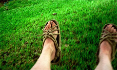 [Day 13] Rope Sandals (cavale) Tags: selfportrait green feet me grass self orlando shoes florida sandals lawn swing 365 portfolio catchycolorsgreen cavale ropesandals orlandoset cavalephotonet