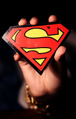 (FatoOoma Qatar ~) Tags: birthday hand bokeh background superman f omar hold happybday de5eelik sweet20 el3mrkelahyarab