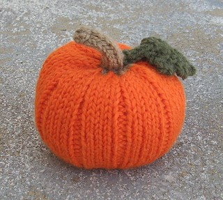 Autumn Pumpkins pattern by Jan Lewis
