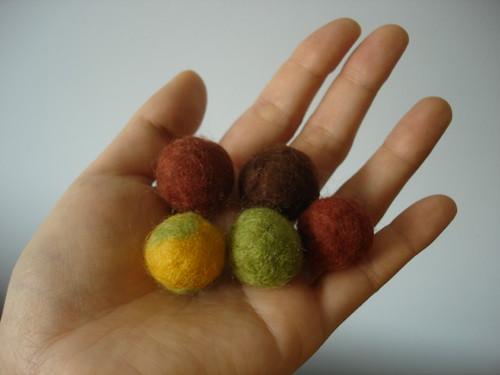 Bolas feltradas com água e sabão