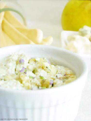 Scented lavander, pear, gorgonzola dip