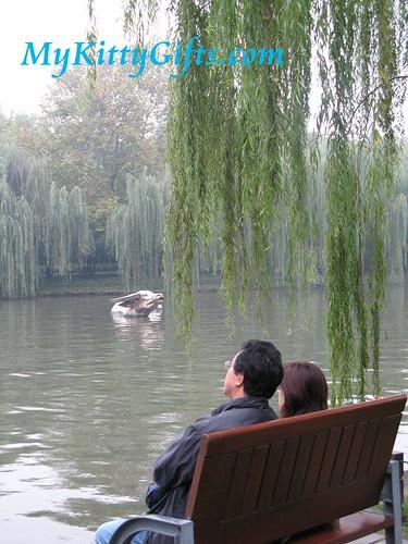 Hello Kitty at Gold Cow Lake of Xi Hu Tian Di, HangZhou