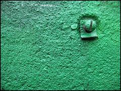one green screw (sulamith.sallmann) Tags: wallpaper abstract green texture screw pattern background struktur structure backgrounds grün muster surfaces abstrakt hintergrund schraube oberfläche texturen textur berlinmoabit grünlich sulamithsallmann mi0 hintergünde