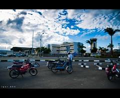 M a u r i t i a n  T r i p  - 1 (Igor V. Ahn) Tags: voyage trip sunset panorama maurice drapeau couchdesoleil d90 ilemaurice quatrebornes igorahn drapeaumauricien