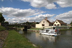 IMG_4799 (pcos57) Tags: france les de canal 7 bourgogne briare puisaye cluses