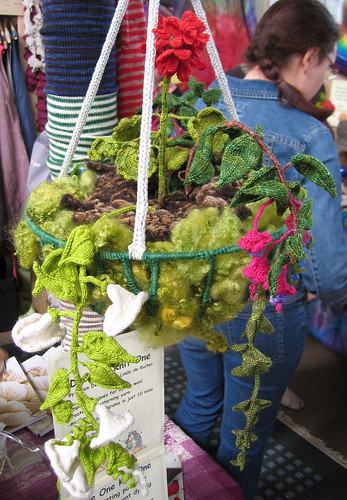 Knitted hanging basket