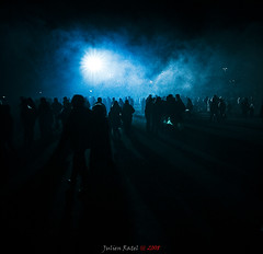 ~~ Nocturnal fog #1 ~~ (Julien Ratel ( Jll Jnsson )) Tags: show blue friends light people lamp reunion fog night canon flickr shadows searchthebest fireworks smoke meeting tokina1224 bleu apex lumiere foule herd nuit eos350d brouillard gens lampadaire ombres feudartifice spectacle fume themoulinrouge dispersion blueribbonwinner traitement artisticexpression littlestories standinglamp 100faves posttreatment 50faves 35faves mywinners abigfave avision totalawesomeness ap