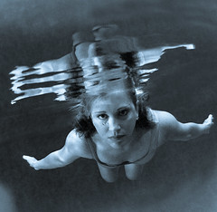 Manta (Lumase) Tags: kath kathleen lumase blue square woman manta underwater water proudshopper theperfectphotographer soe anawesomeshot themoulinrouge thegoldenmermaid theunforgettablepictures 500x500 polaris ritrattidiof thegardenofzen dreamcatcher 50plusfaves2008 goldenheartaward fineartphotos platinumphoto ysplix goldenvisions artisticexpression luigimasella mywinners topf25 topf50