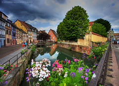 Colmar: La petite Venice (I) (Salva del Saz) Tags: flowers venice houses france flores canon reflections eos colorful little colores colmar casas francia 1022mm hdr highdynamicrange petite reflejos efs1022mm alarecherchedutempsperdu 40d lovemyflickrfriends salvadordelsaz salvadelsaz lovemy1022mmlenses ylihlm