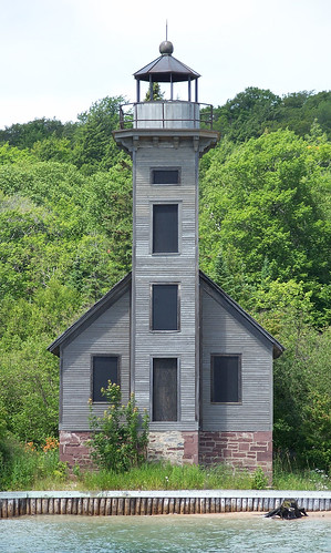 East Channel Light