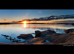 Dawn at Korppoo island (Rob Orthen) Tags: sea summer sky panorama sun clouds sunrise suomi finland landscape dawn nikon rocks europe rob scandinavia meri maisema archipelago kes d300 saaristo gnd korppoo turunsaaristo 175528 leefilter orthen roborthenphotography rengastie saaristonrengastie