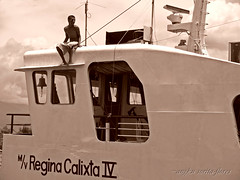 preparing to jump (Angkulet) Tags: travel boats philippines albay portoftabaco