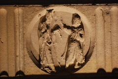 Paris: Notre - Dame; portal centralny: przedstawienie 12 wad (pod 12 cnotami) (foto daniel) Tags: art medioevo katedra rzeba wady gotyk teologia sztuka redniowiecze cnoty