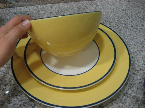 My idea to keep these beauts in rotation and get the most mileage out of them that I can was to find a complimentary pattern somewhere and then just go ... & Neomi: My dishes: revamped