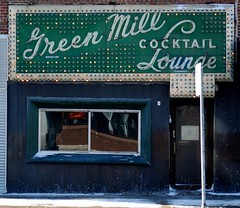 Green Mill (1910), Chicago, 2008 (jeffery c johnson) Tags: chicago bar 1930s jazz historic uptown capone