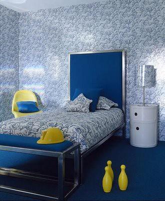 aranżacja sypialni niebieska podłoga