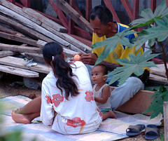 Our former neighbours, a family from Surin, building site, Chiang Mai. Click to see big photo